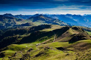 Panoramatický pohled na oblast Kitzbühelu