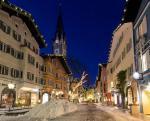 Kitzbühel - vánoční výzdoba jedné z ulic